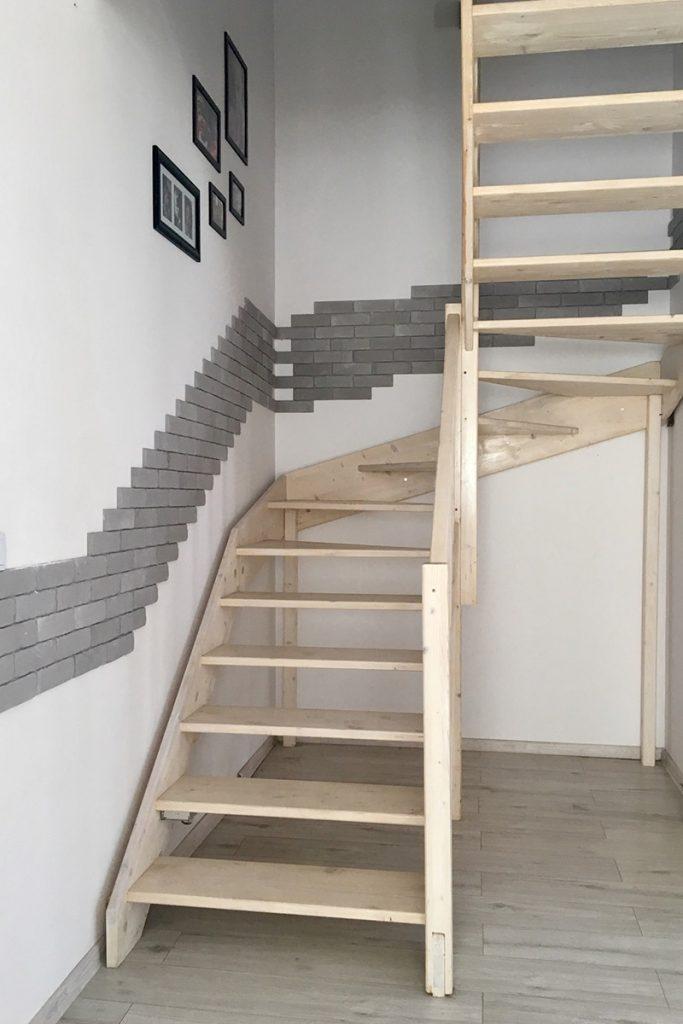 Bystrý smrkové schody do U realizace bez podstupnice pohled zdola