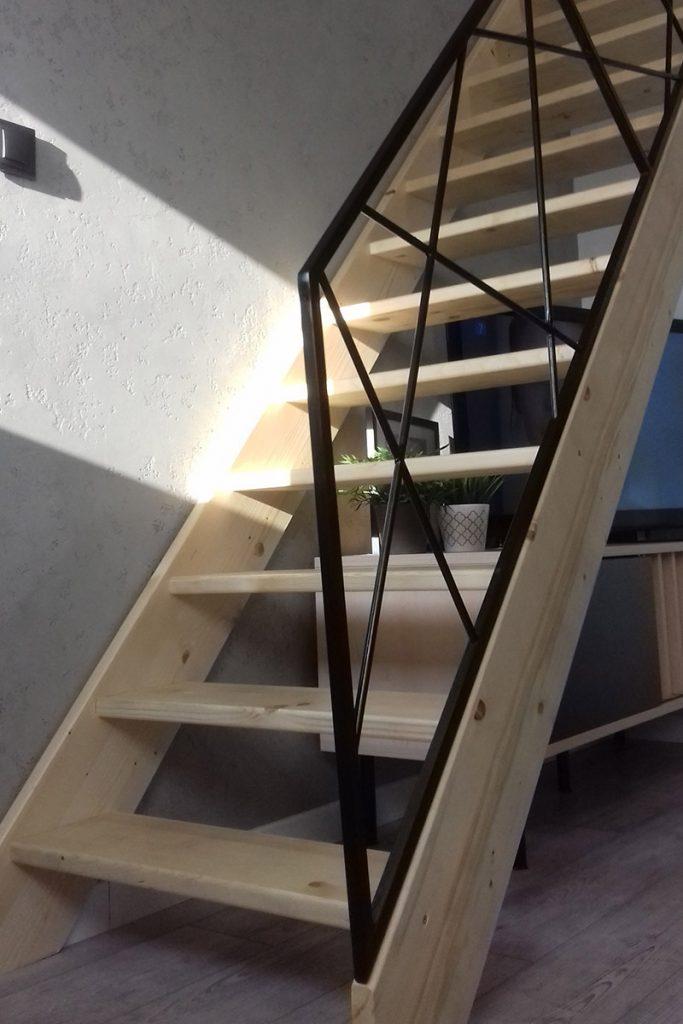 Bystrý smrkové schody rovné světlé realizace bez podstupnice zdola